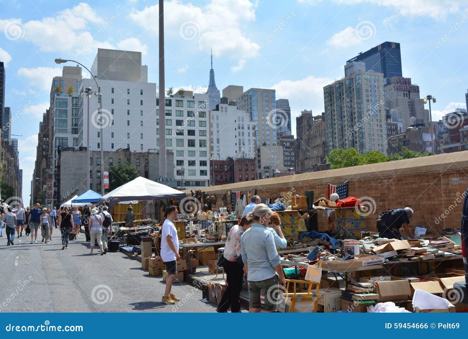 Cocina Del Infierno | Mercado De Pulgas De La Cocina Del Infierno Foto Editorial