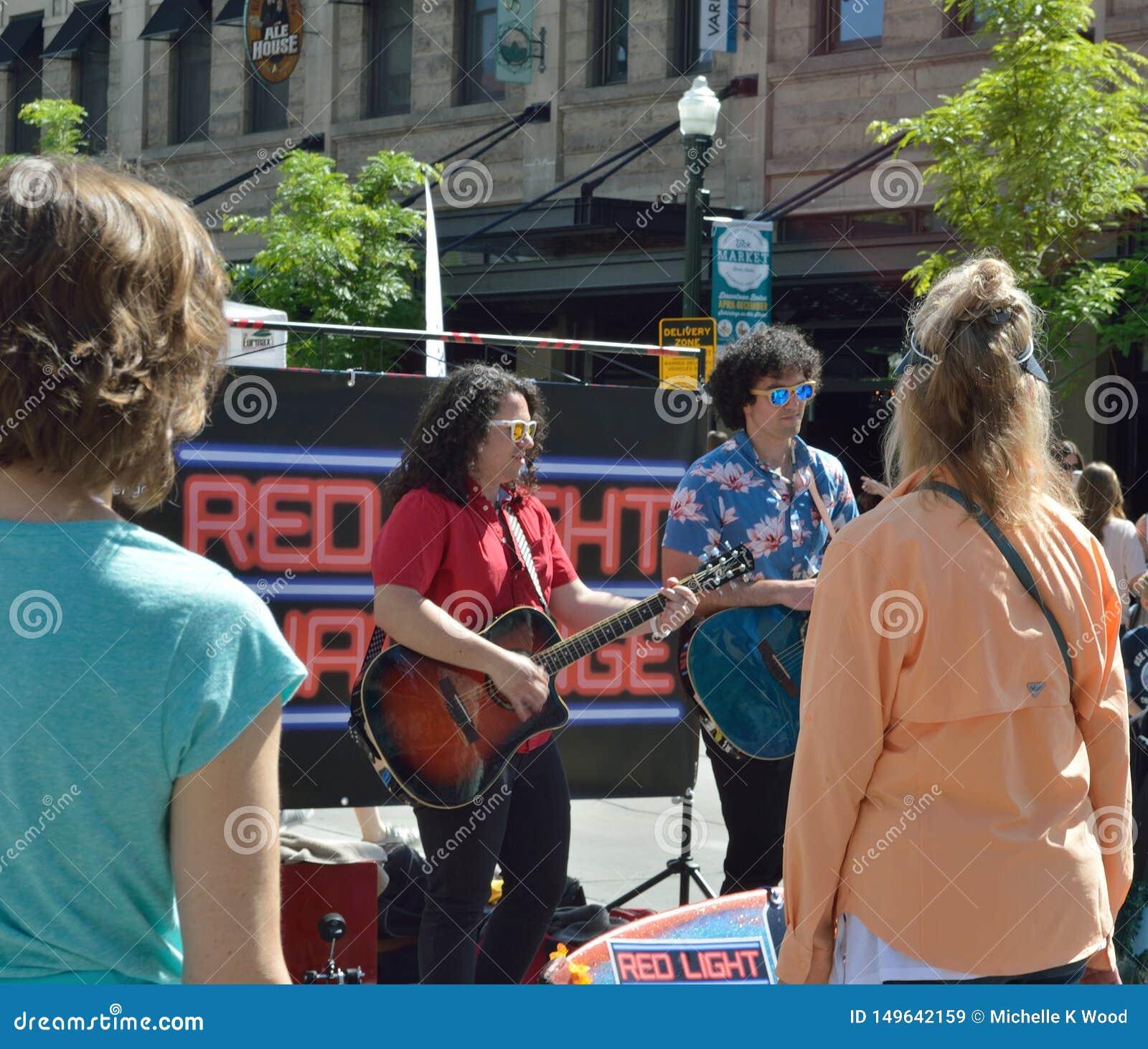 Mercado de sábado de los músicos de la calle