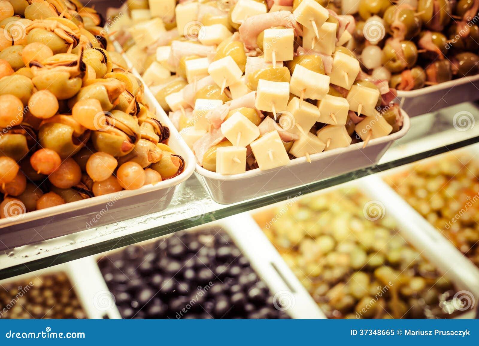 Mercado español típico de la comida.