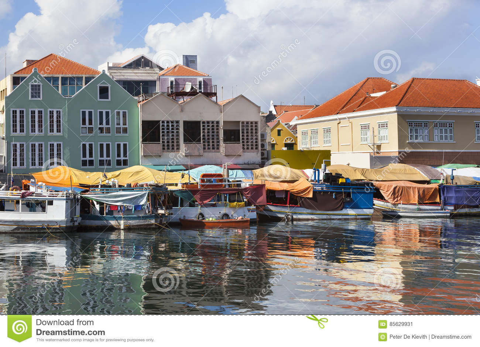 Mercado flotante en Willemstad