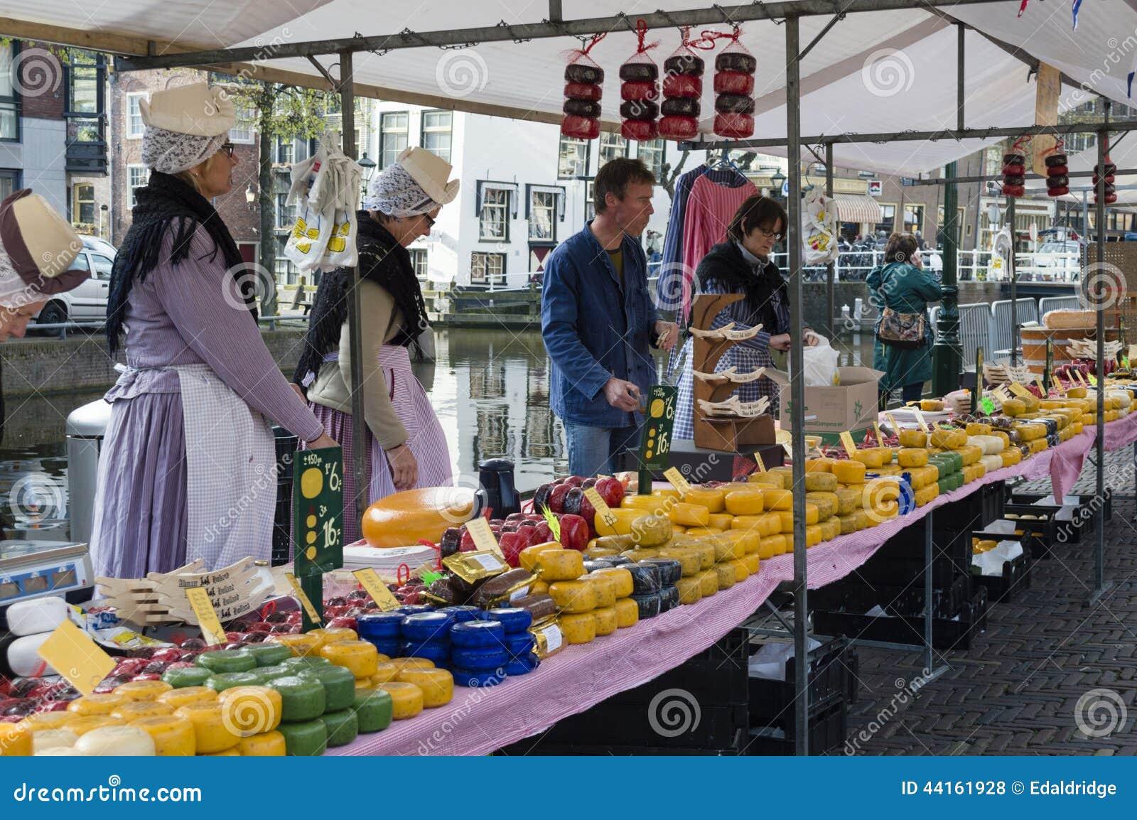 Mercado Histórico Del Queso De Alkmaar Foto De Archivo Editorial Imagen De Canal Parada 44161928