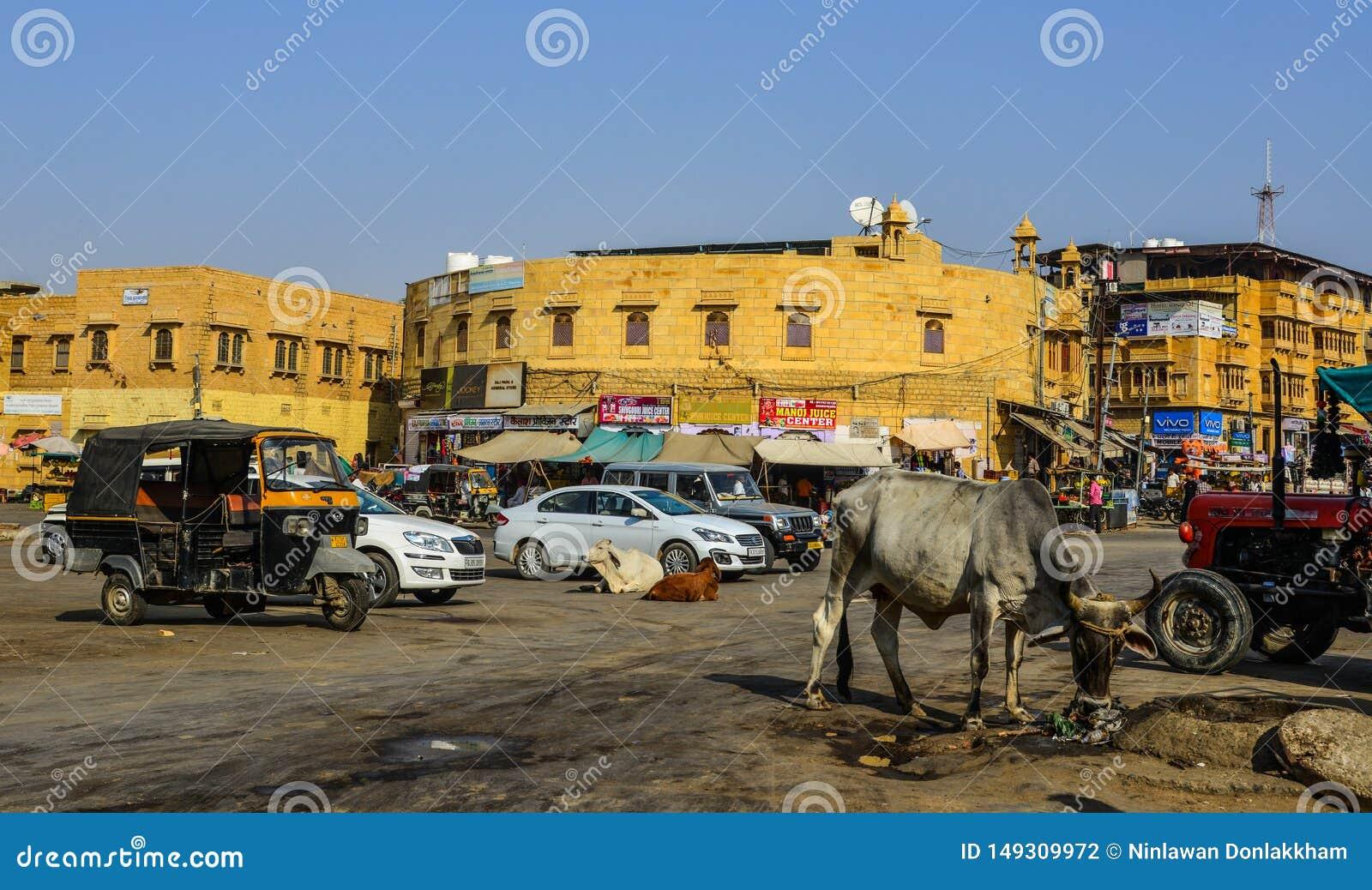 Mercado local en Jaisalmer, la India