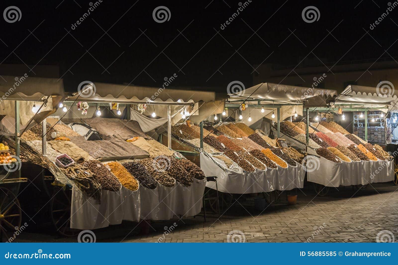 Mercato di EL-Fnaa di Jemaa, Medina di notte di Marrakesh, Marocco
