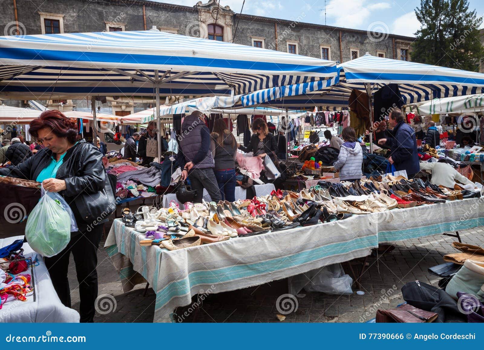 dfd4cd62fc807 Mercato Siciliano Dell aria Aperta Della Seconda Mano Catania ...