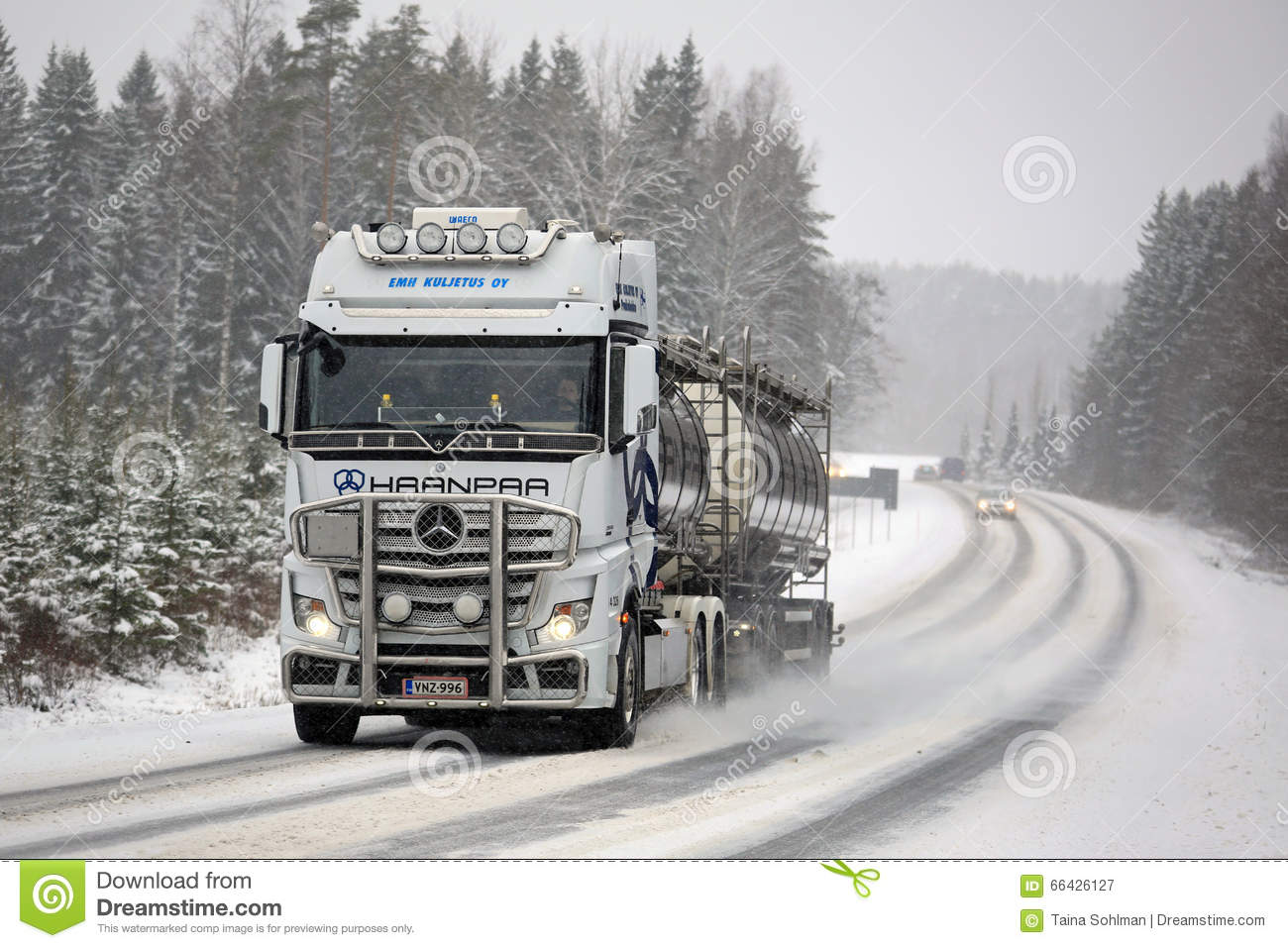Mercedes benz actros tank truck pushes forward in winter for White mercedes benz truck