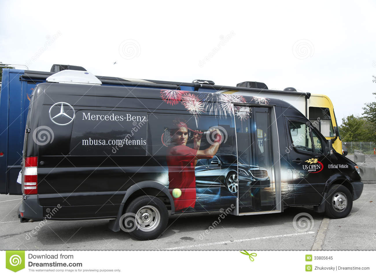 Mercedes benz bus at national tennis center during us for Mercedes benz us open