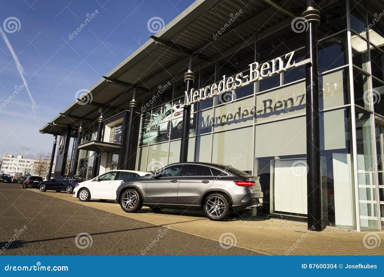 Mercedes benz car logo on dealership building on february for Mercedes benz car dealers