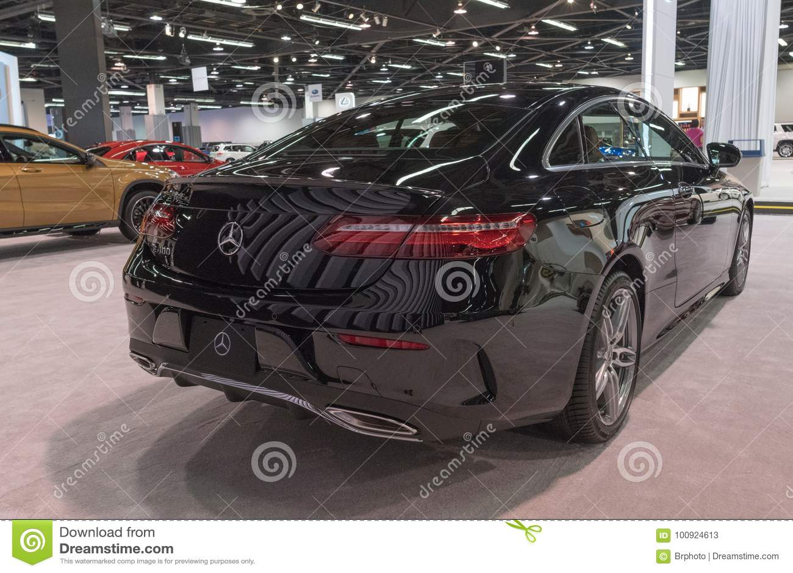 Mercedes Benz E400 On Display