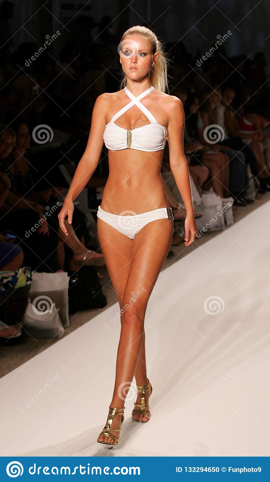 Mercedes-Benz Fashion Week Swim em Miami Beach