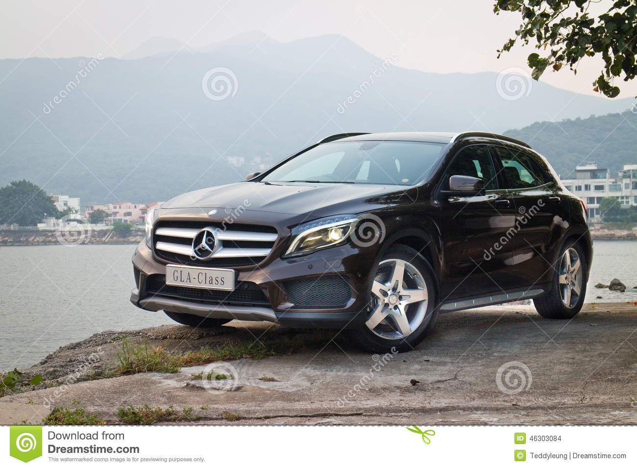 mercedes benz gla 4matic 2014 test drive editorial stock. Black Bedroom Furniture Sets. Home Design Ideas