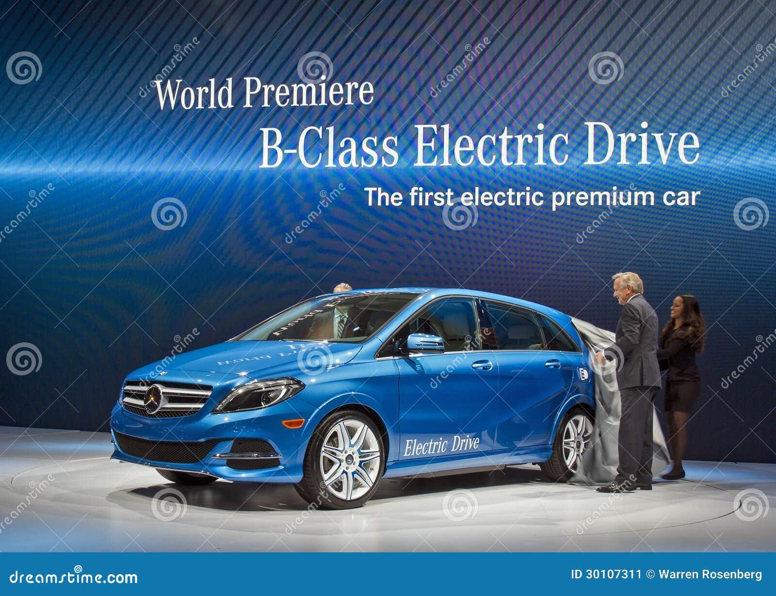 International business mercedes international business for Mercedes benz us international