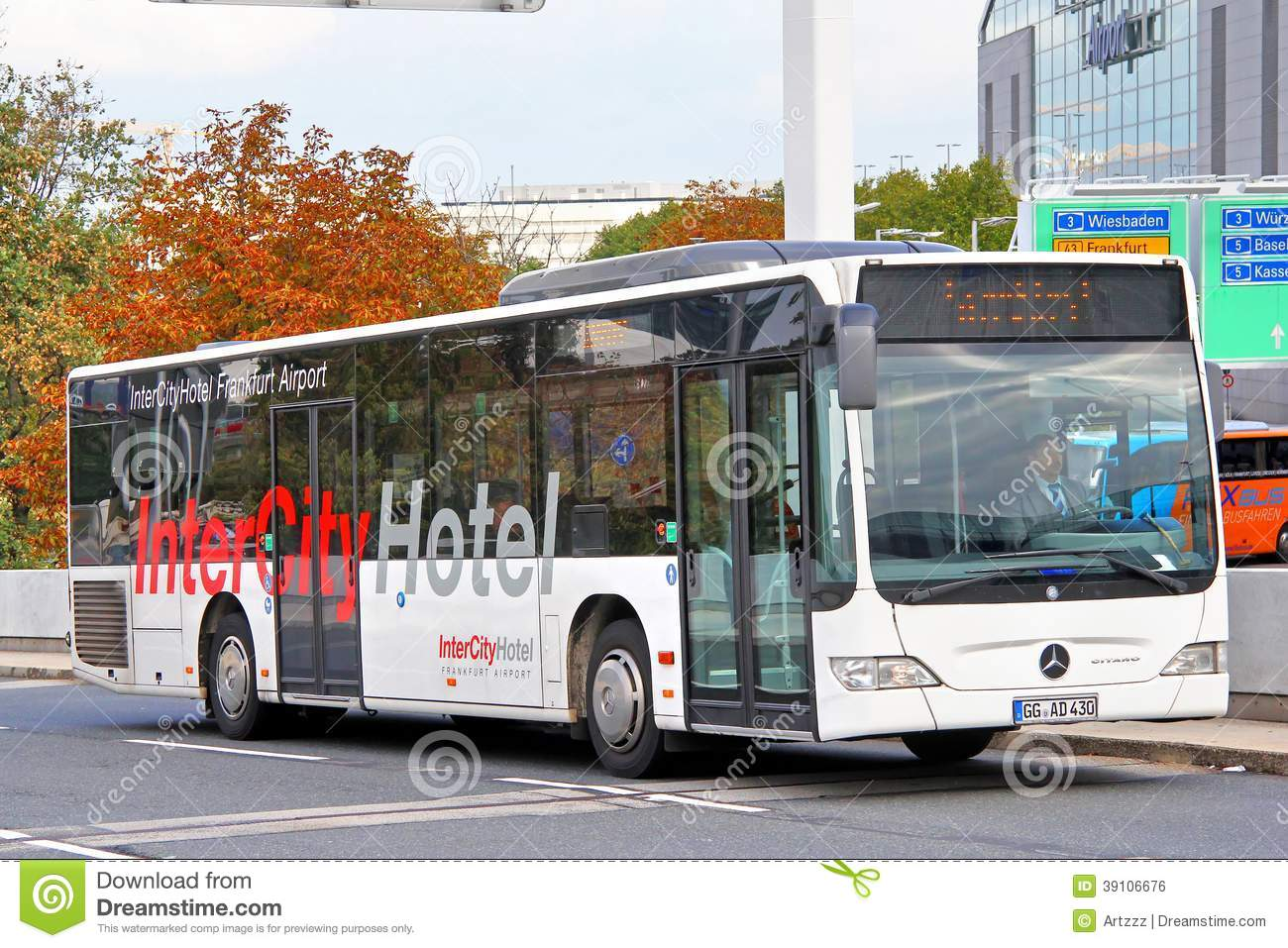 Mercedes benz o530 citaro editorial photo image 39106676 for Mercedes benz classic center germany