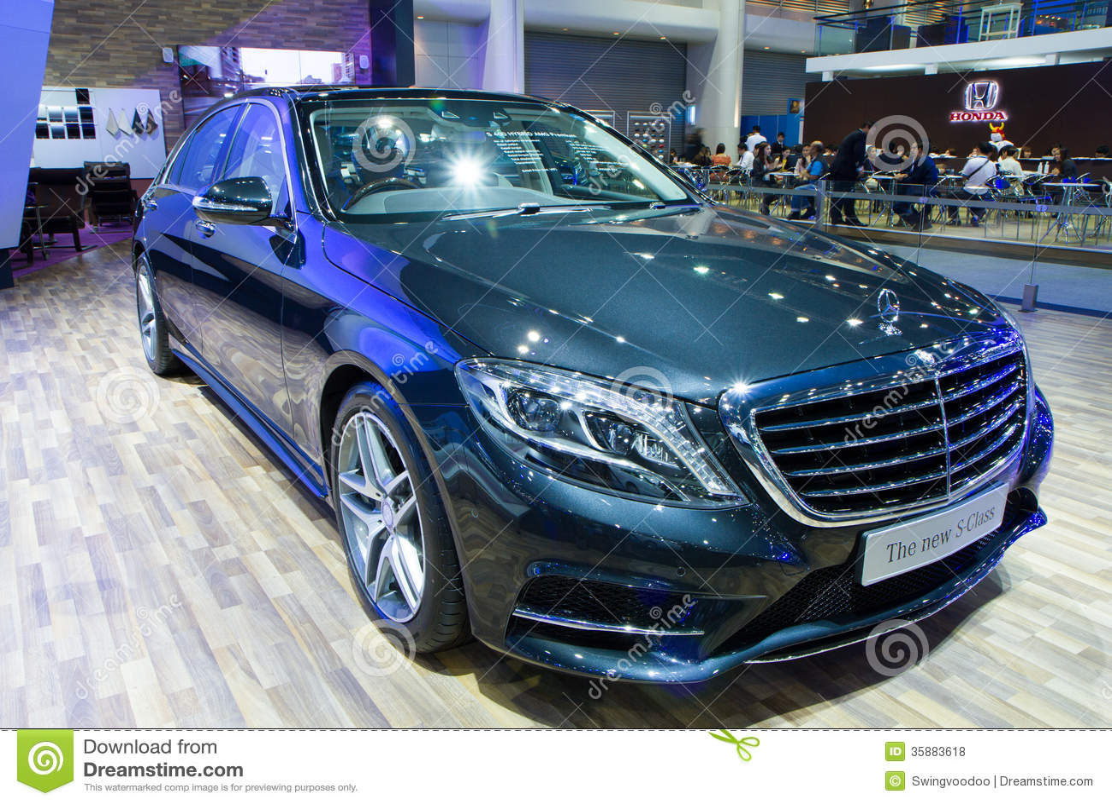 Mercedes benz s class car on thailand international motor for Mercedes benz thailand