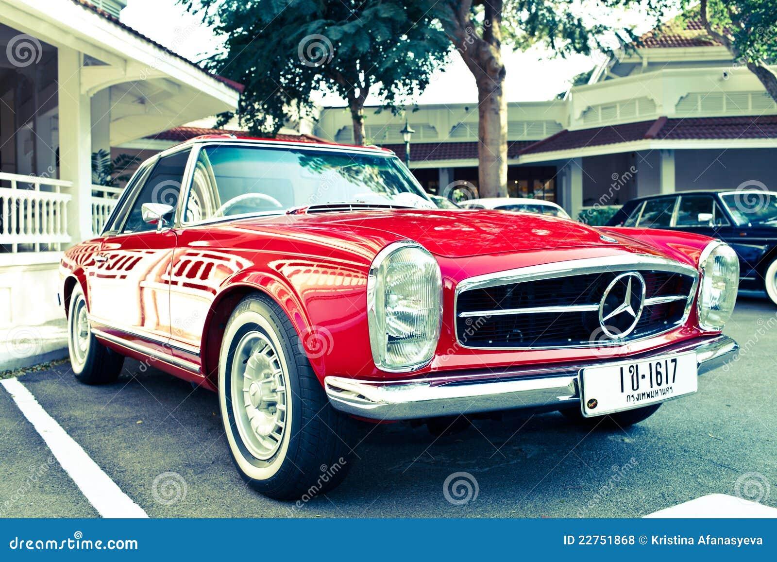 Mercedes benz sl 230 on vintage car parade editorial stock for Mercedes benz retro
