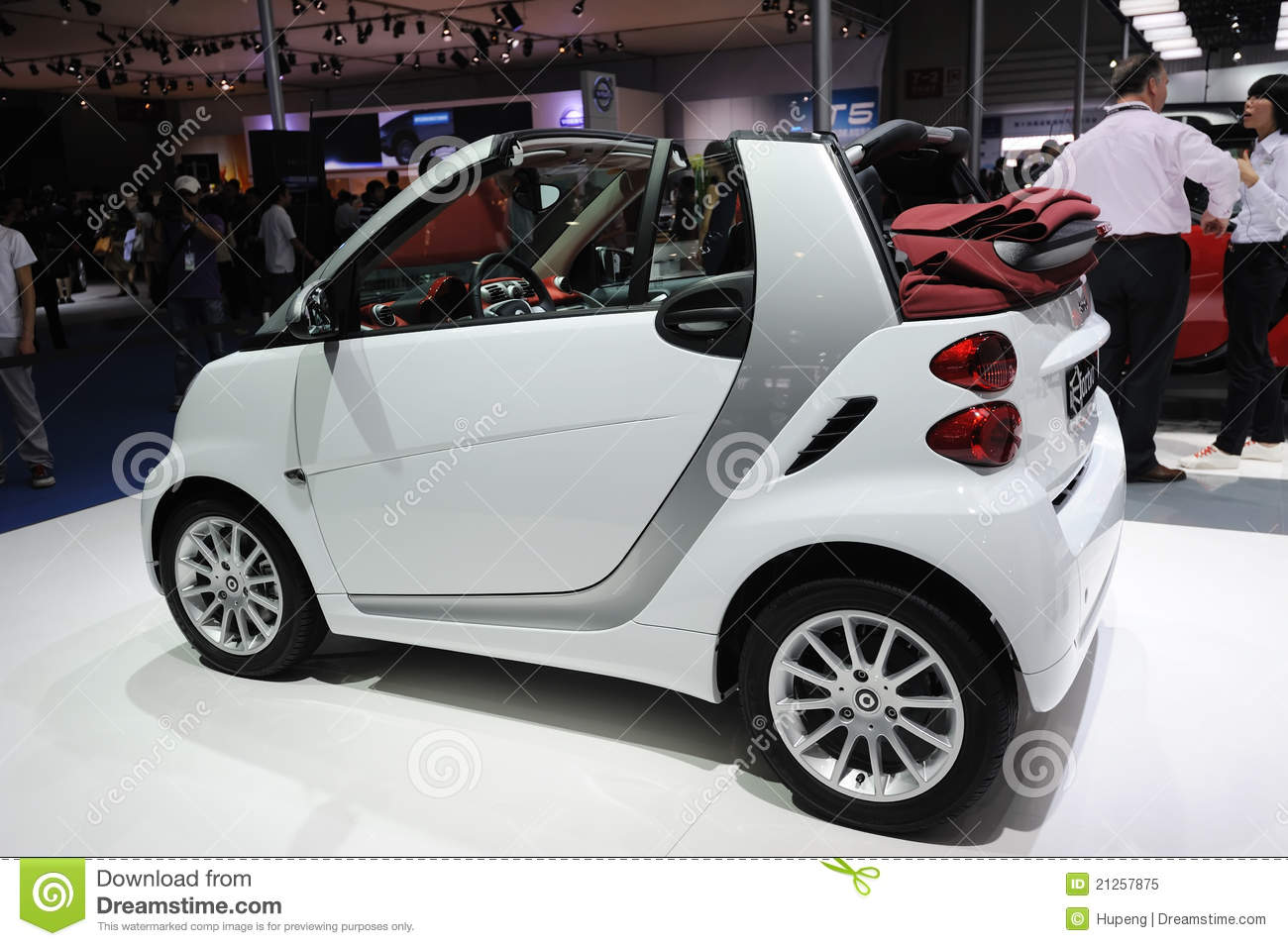 Mercedes benz smart car editorial image image of engines for Mercedes benz smart fortwo