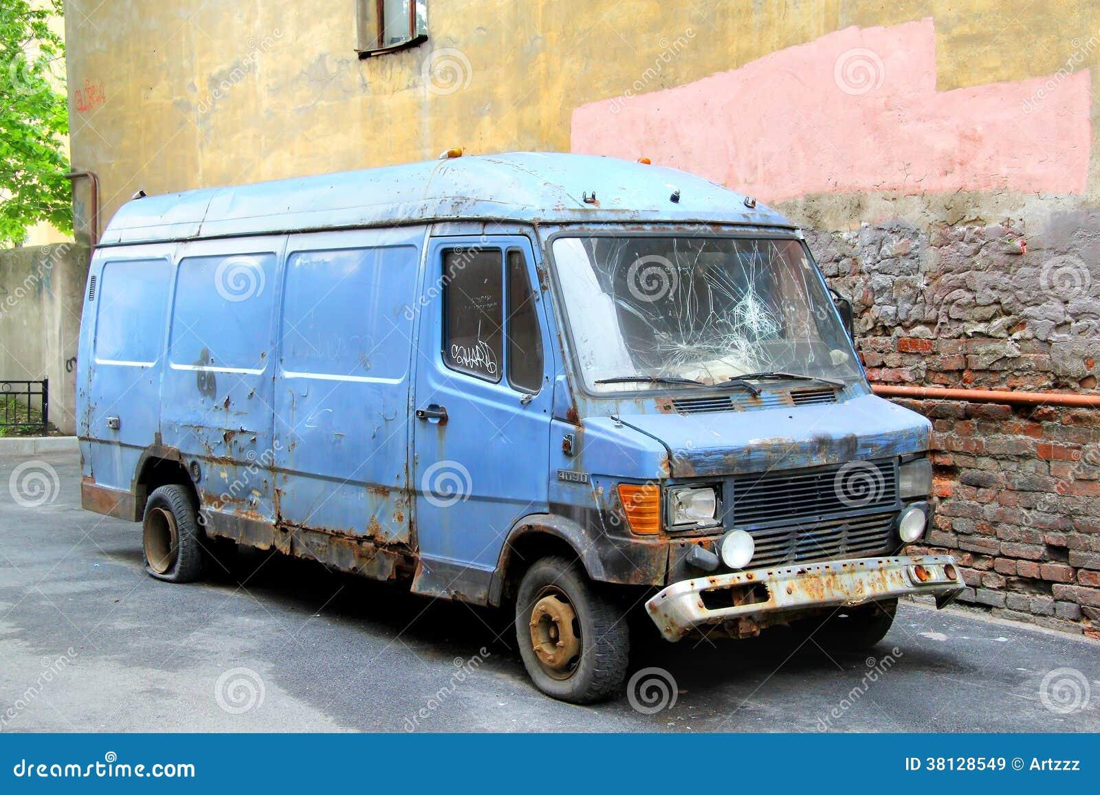 Mercedes Benz 63 Gullwing Emblem Jill Reger furthermore 3522 Bruder Vrachtwagen Scania Met Afrolcontainer besides 262221330227 moreover Mansory Mercedes Benz G500 4 4 Wallpaper additionally 43809. on mercedes benz logo in 3d