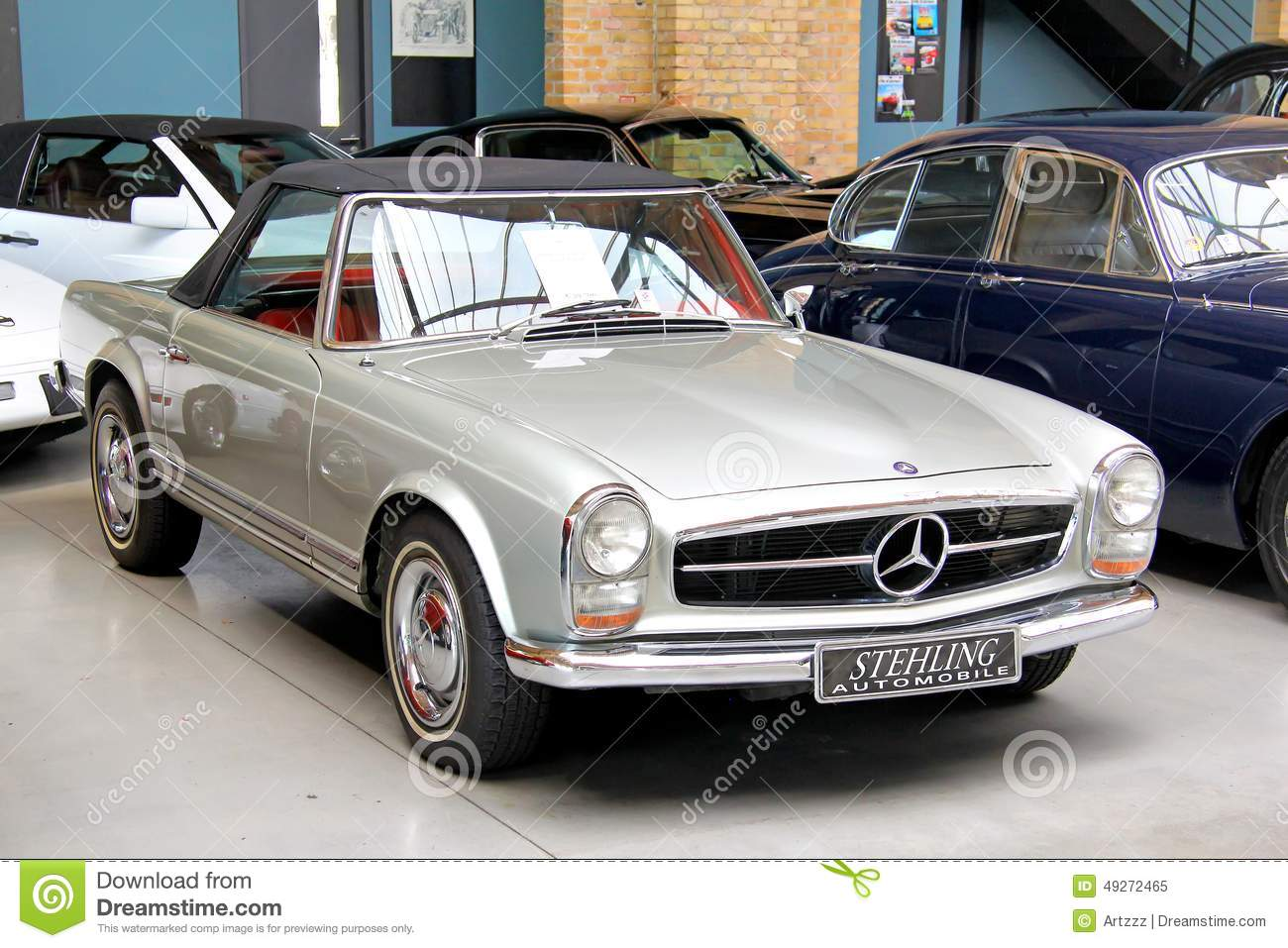 Mercedes benz w113 230sl editorial image image of coupe for Mercedes benz w113