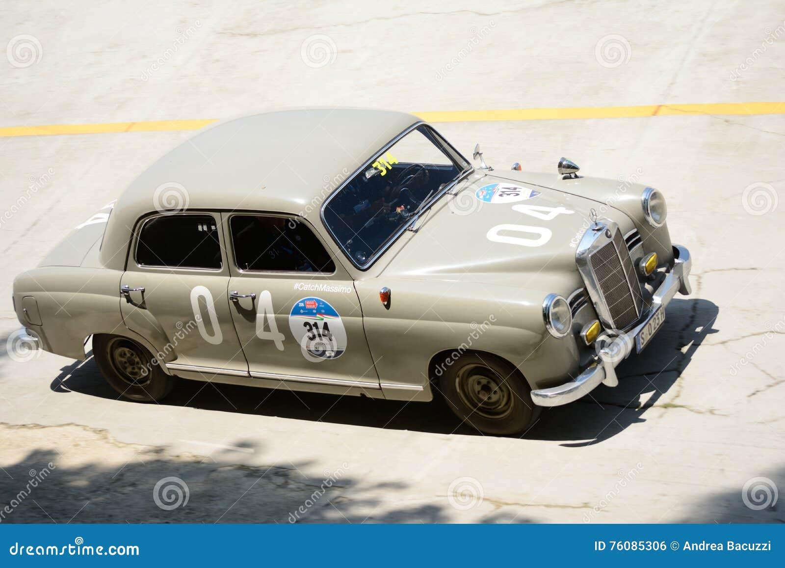 Mercedes 1954 180 D chez Mille Miglia