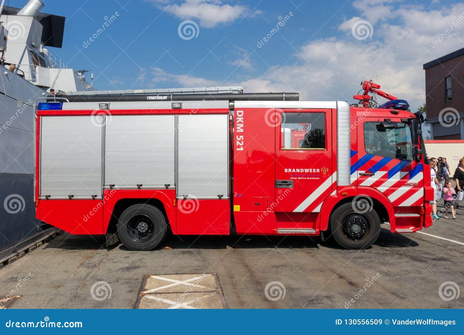 Garage Den Helder : Mercedes fire truck editorial stock image. image of mercedes 130556509