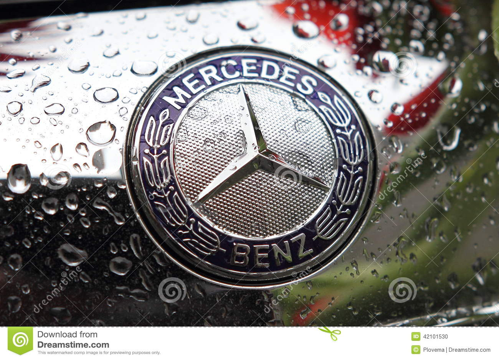 Mercedes-het embleem van het Benzmerk