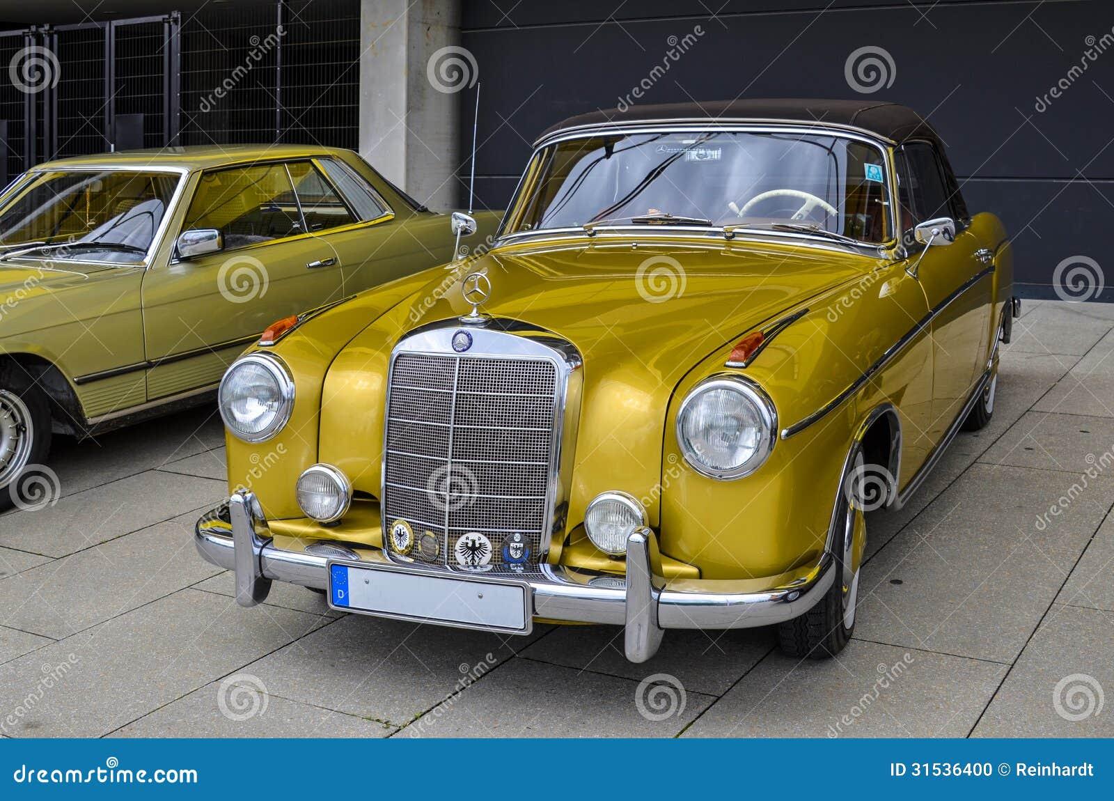 mercedes oldtimer voiture de vintage image ditorial image du antiquit pr serv 31536400. Black Bedroom Furniture Sets. Home Design Ideas
