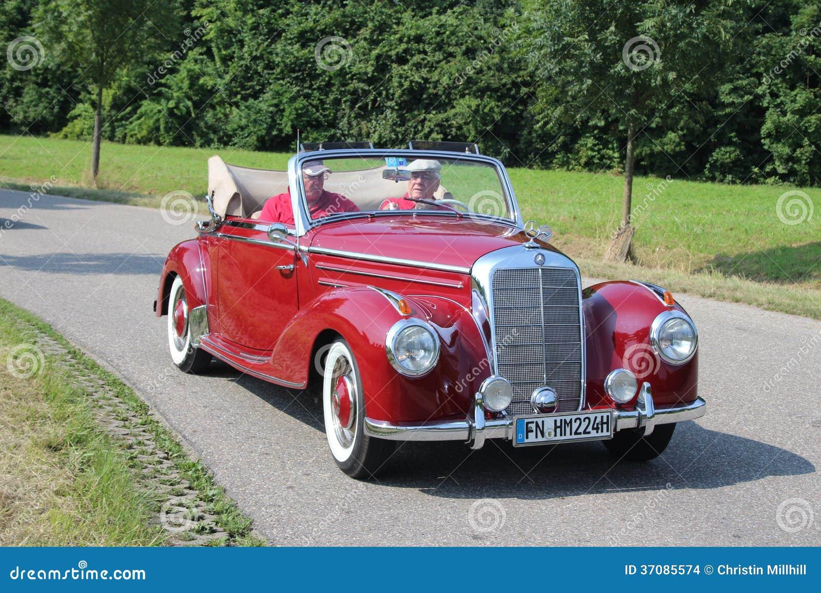 Download Mercedez Benz Oldtimer obraz stock editorial. Obraz złożonej z przejażdżka - 37085574