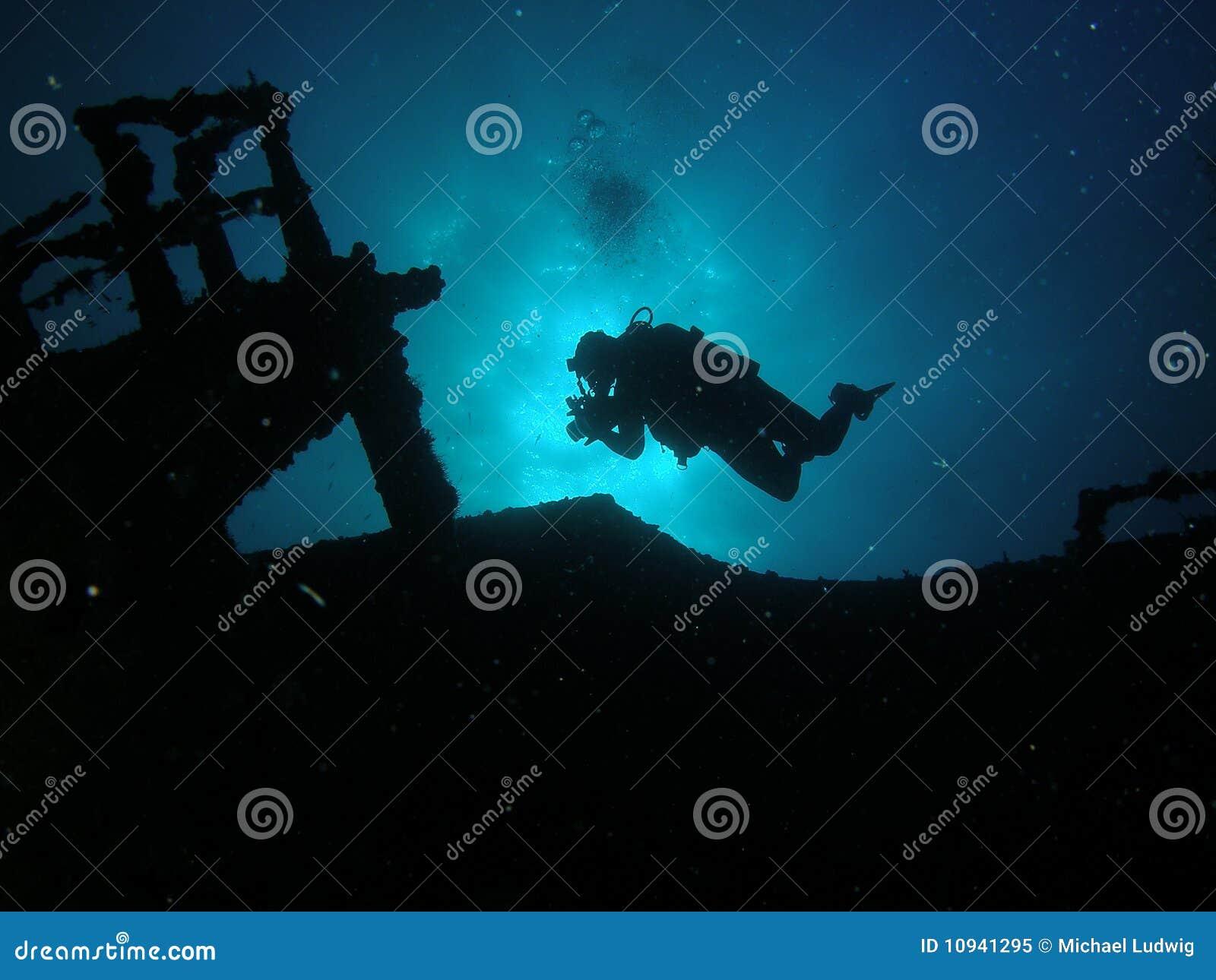 Mergulhador da silhueta