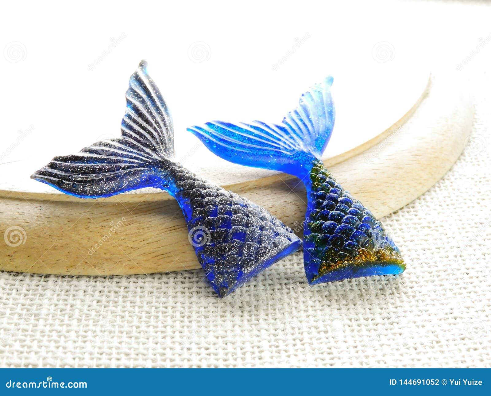 Mermaid tail glitter resin