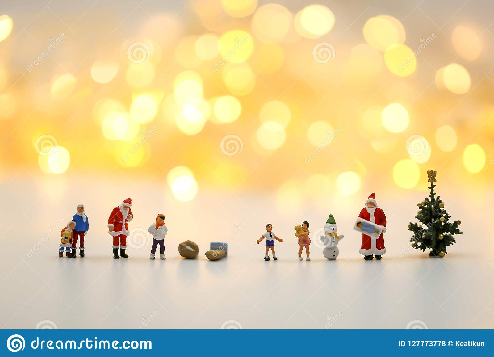 Merry christmas and happy new year Miniature People : Children w