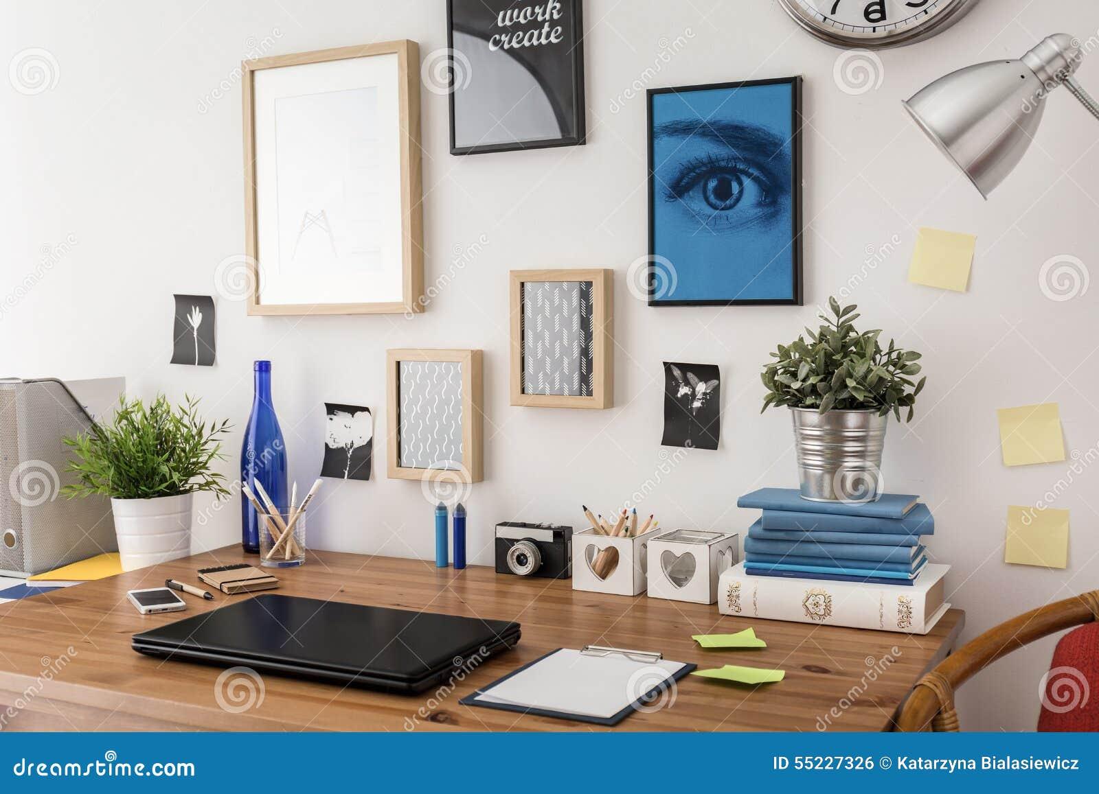 Mesa à moda no escritório