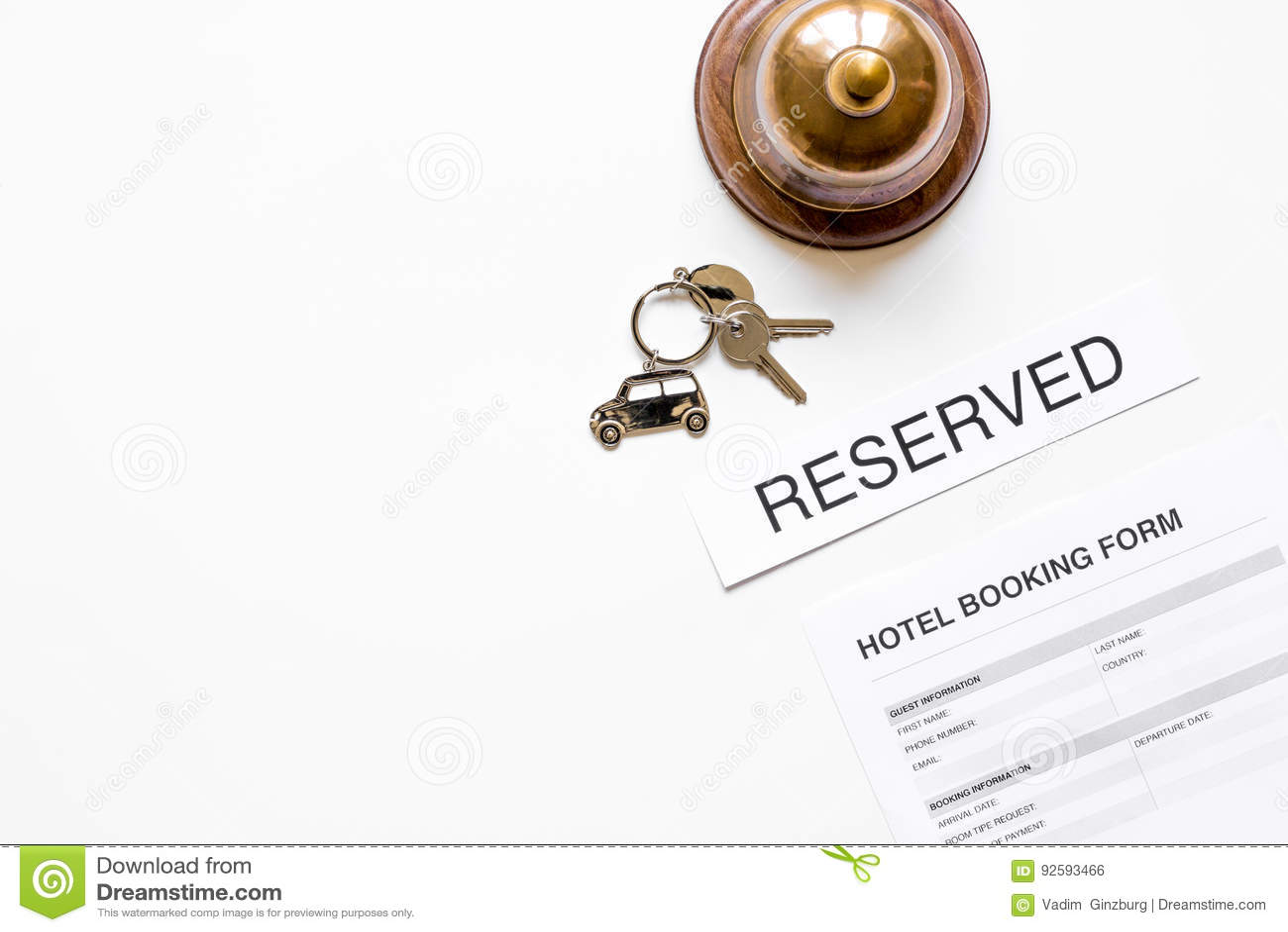 Mesa De Recepcao Do Hotel Com O Modelo Branco Da Opiniao