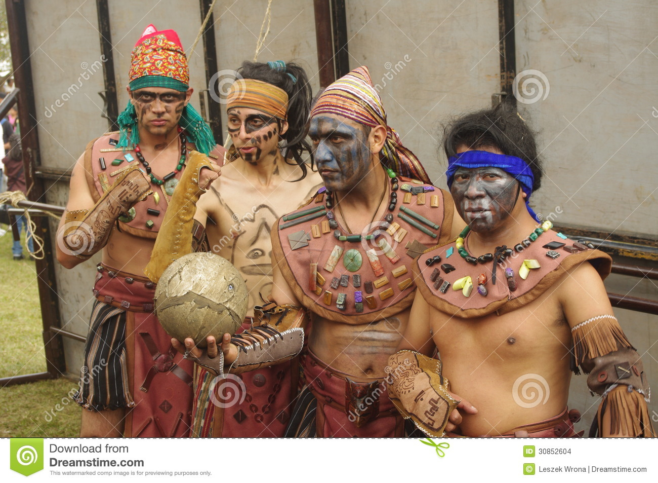 a history of the aztec indians a mesoamerican civilization The maya is a mesoamerican civilization,  aztec civilization did not have draft animals or wheeled vehicles,  aztecs vs mayans.