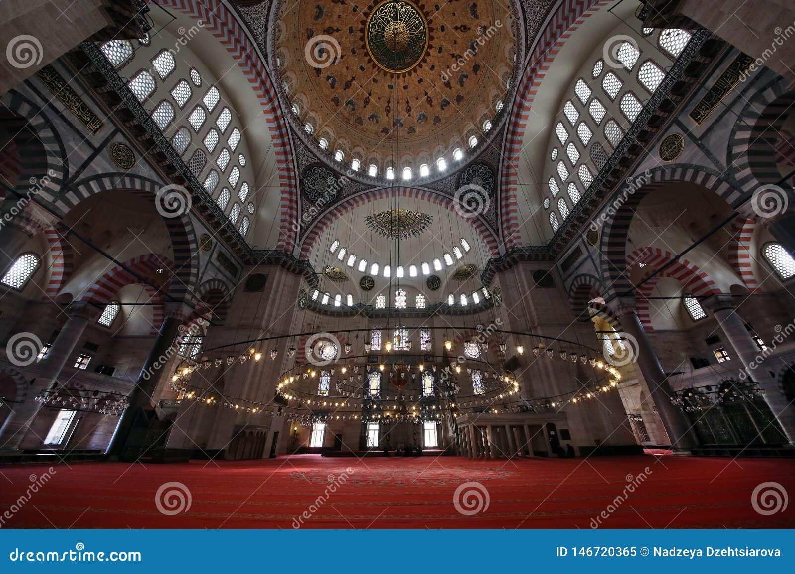 Mesquita do século XVI de Suleymaniye, a mesquita a maior em Istambul