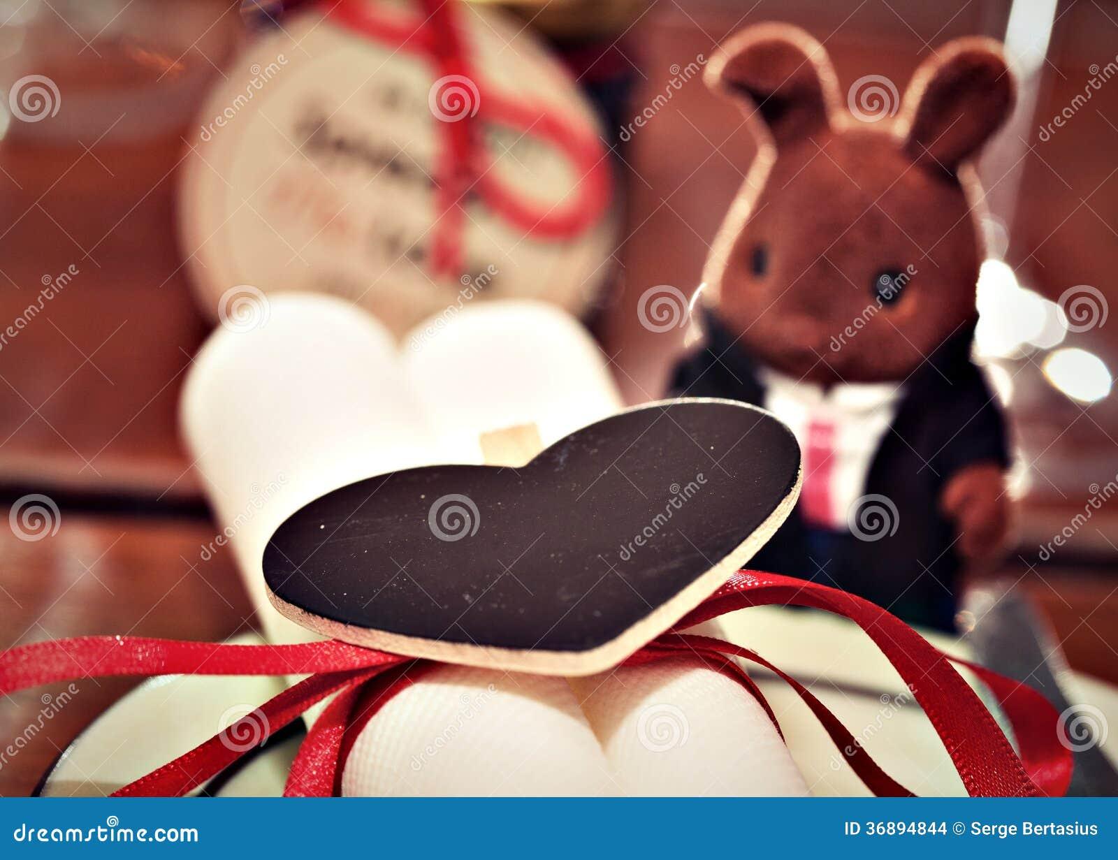 Download Messa A Punto Romantica Della Tavola Fotografia Stock - Immagine di celebri, convenzionale: 36894844