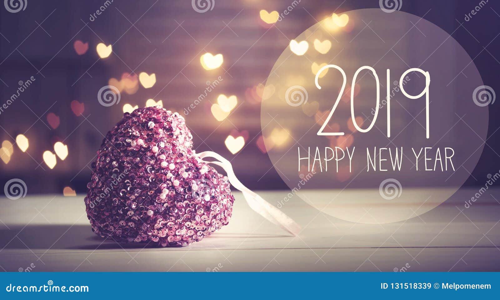 Message 2019 de nouvelle année avec un coeur rose