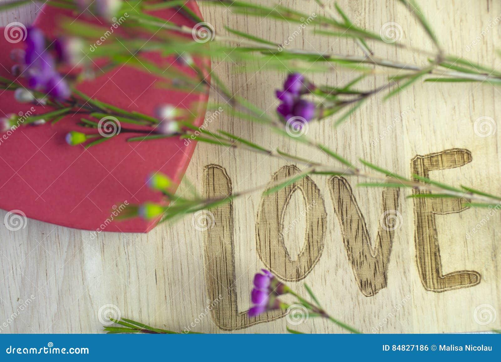 Message fleurs amour for Livraison fleurs avec message