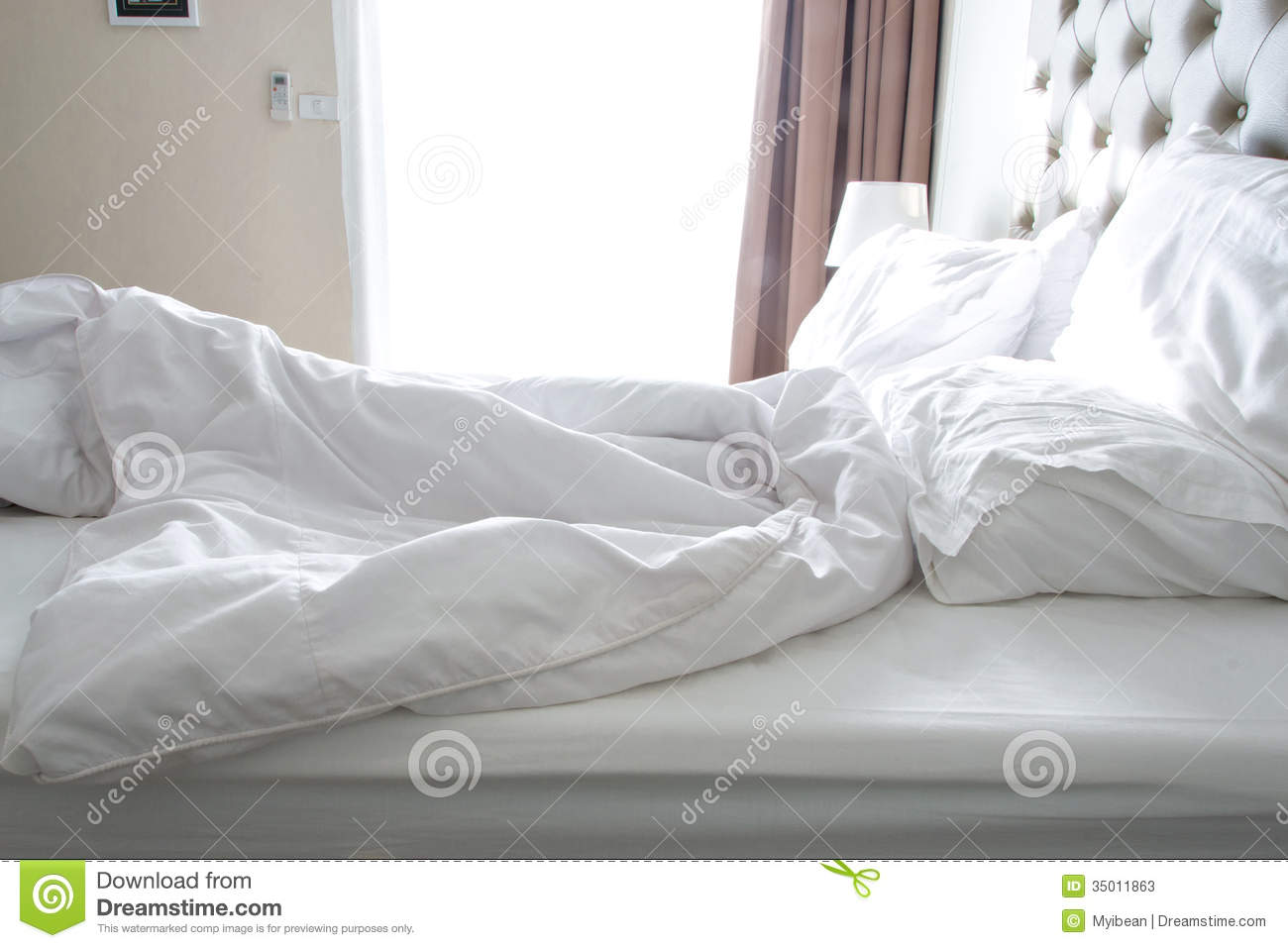 Great Messy Bedding Sheets And Pillow