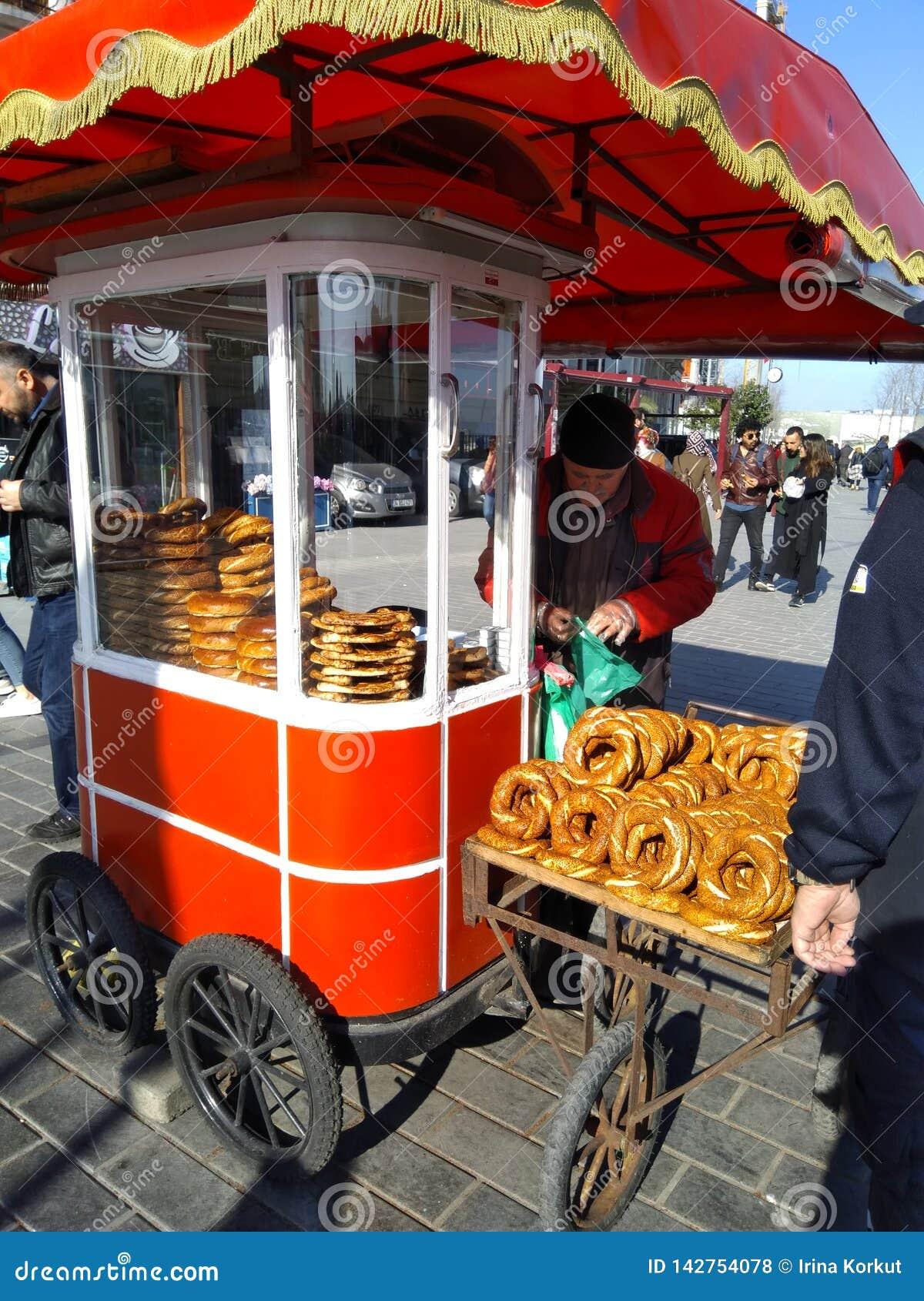 Mest berömd turkisk bullesimit som säljer på gatan