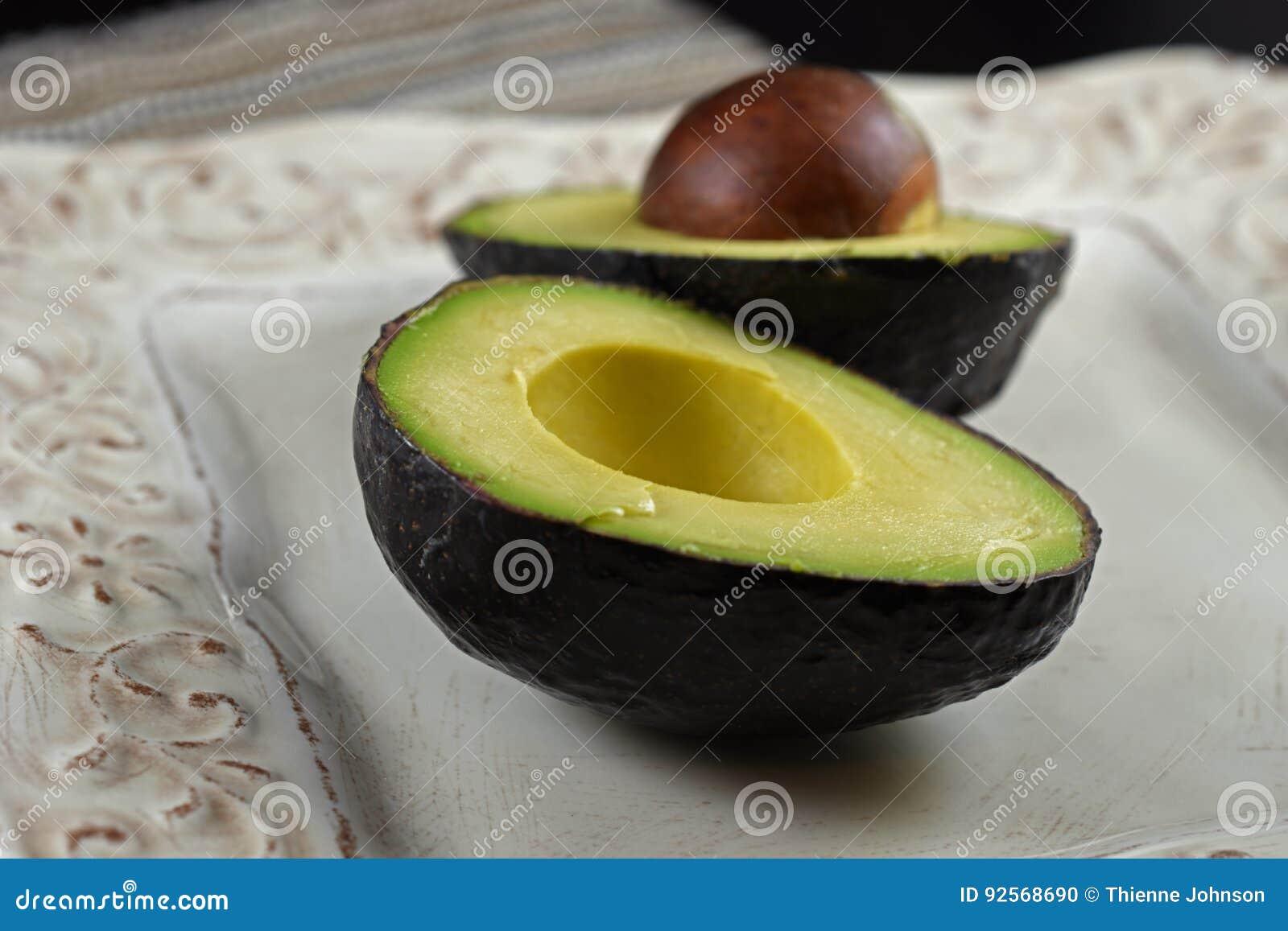 Metà crude dell avocado