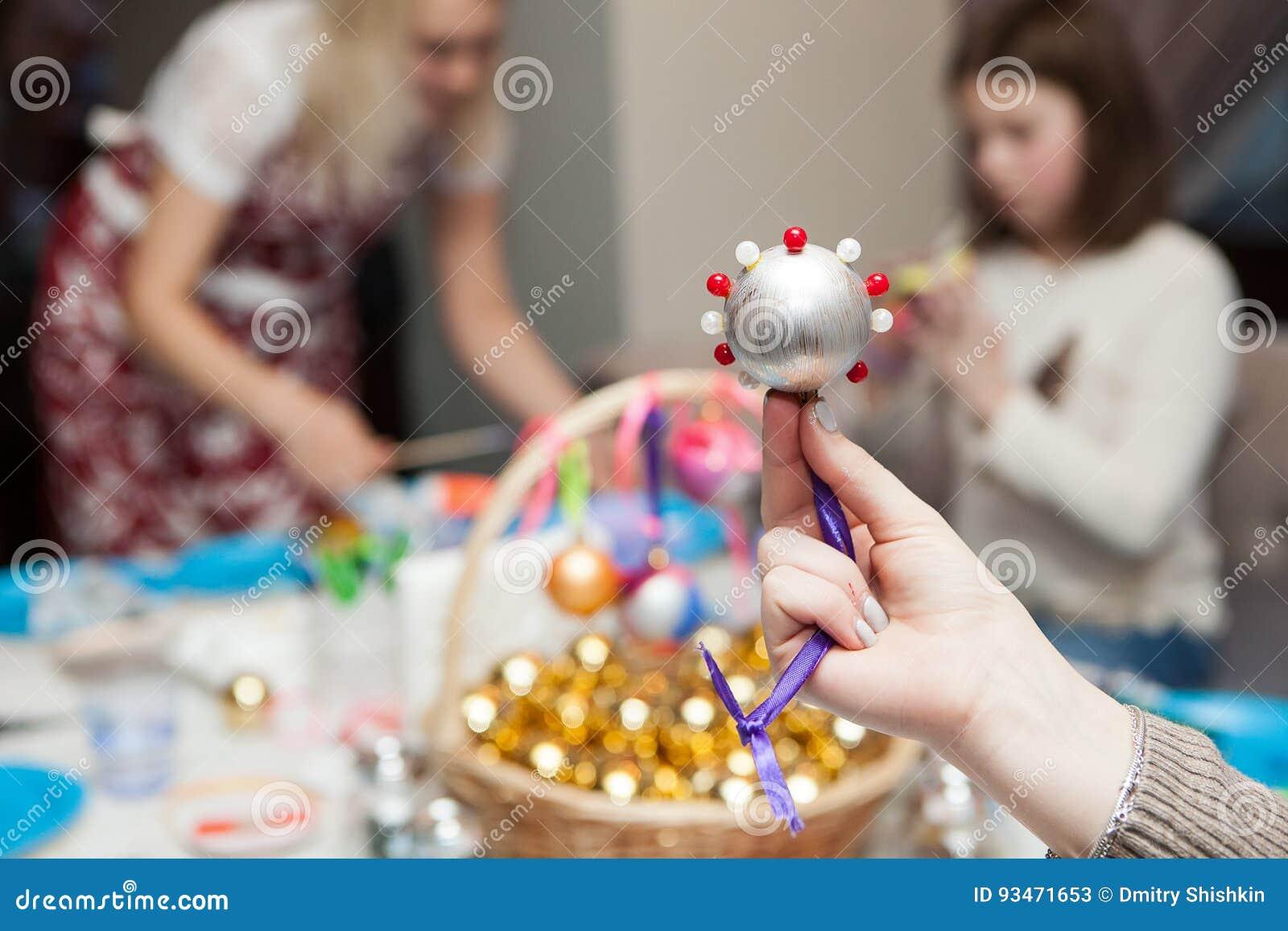 Met de hand gemaakte Kerstmisdecoratie van parels