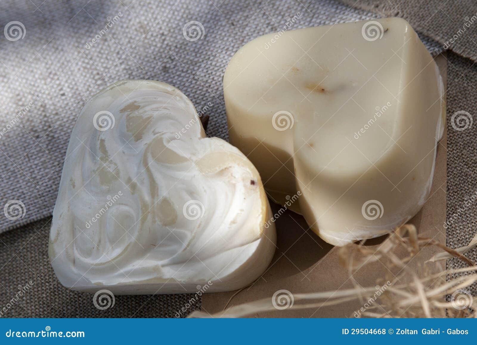Met de hand gemaakte zeepharten
