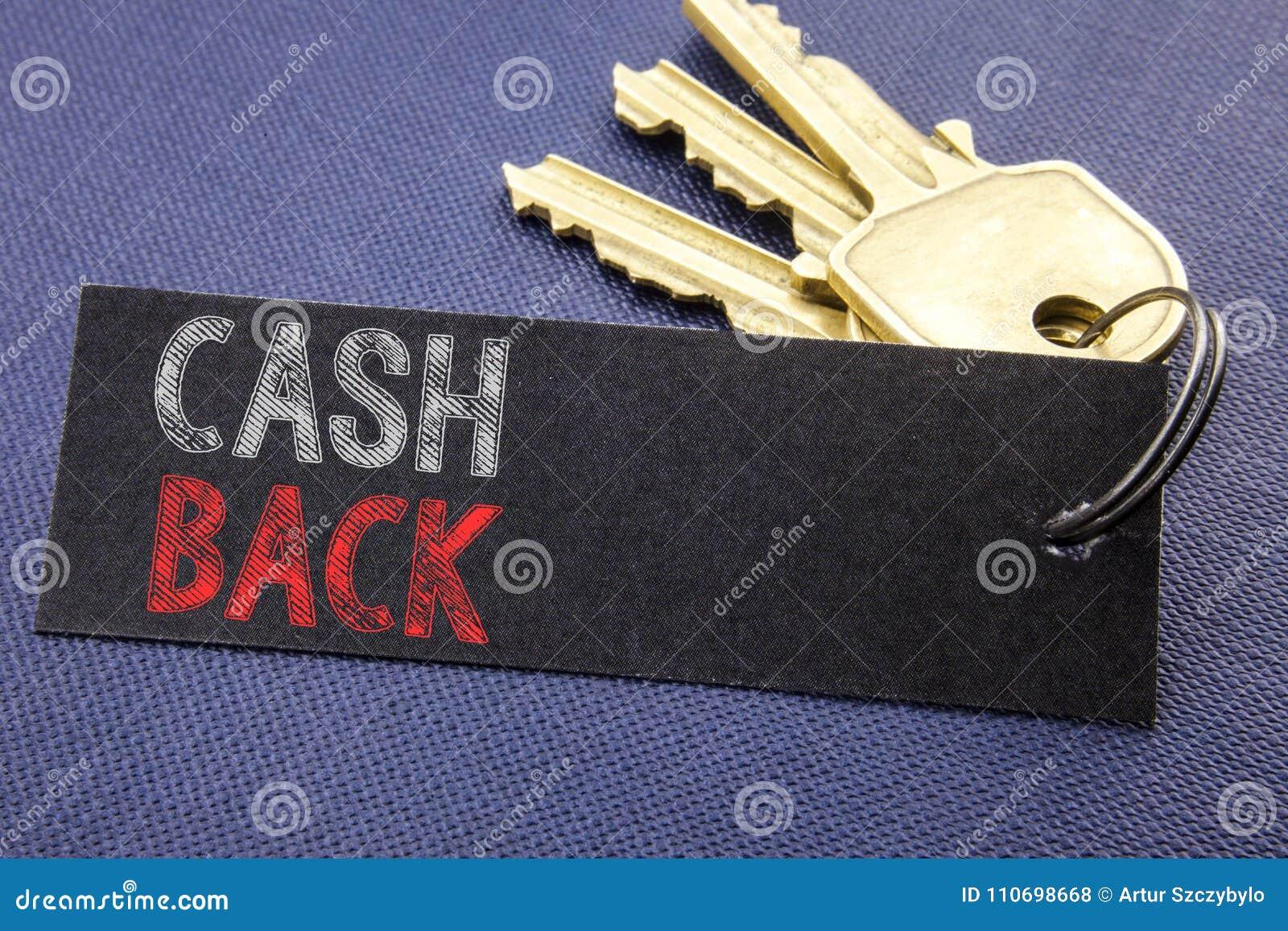 Met de hand geschreven tekst die Contant geld Achtercashback tonen Het bedrijfsconcept die voor Geldverzekering schrijven die op