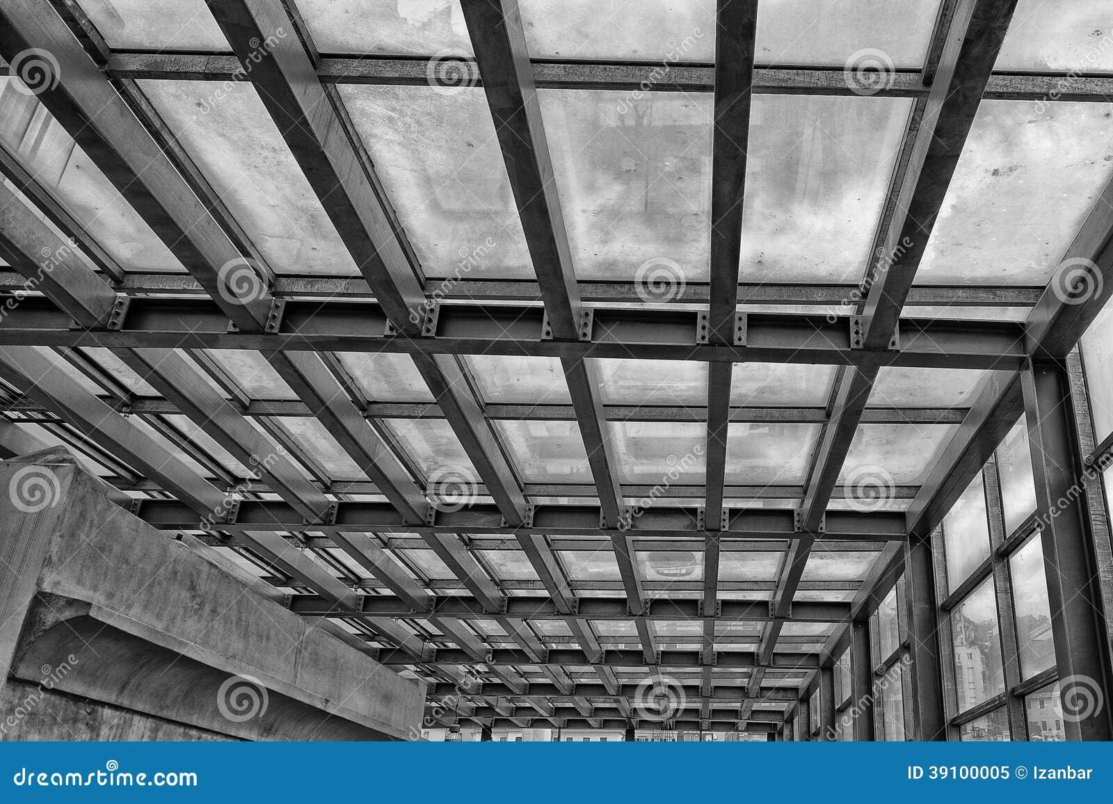 Metaal de bouwkader in zwart-wit