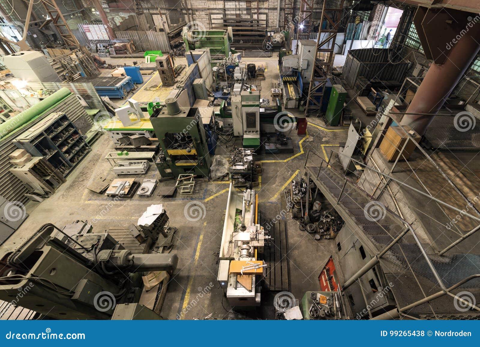 Metaalbewerkende winkel Draaibanken en molens, lassen en snijmachines