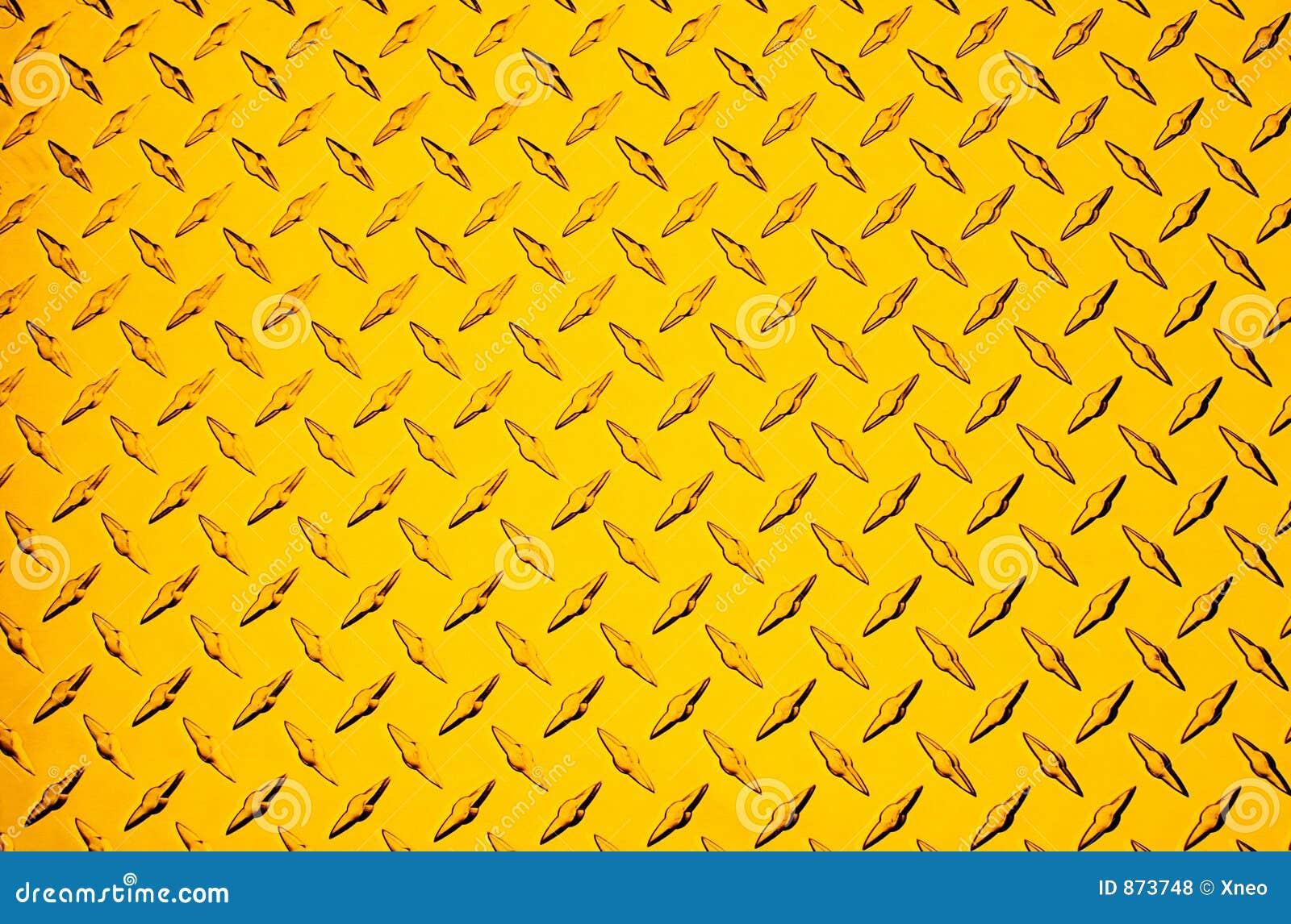 Metal amarelo