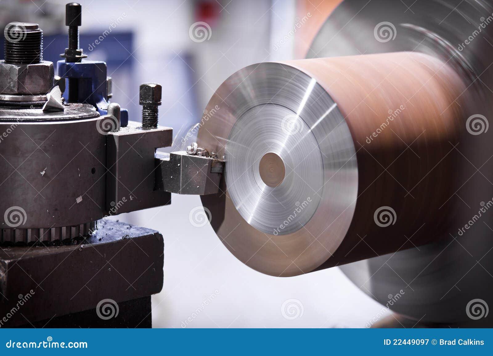 Metal del corte del torno