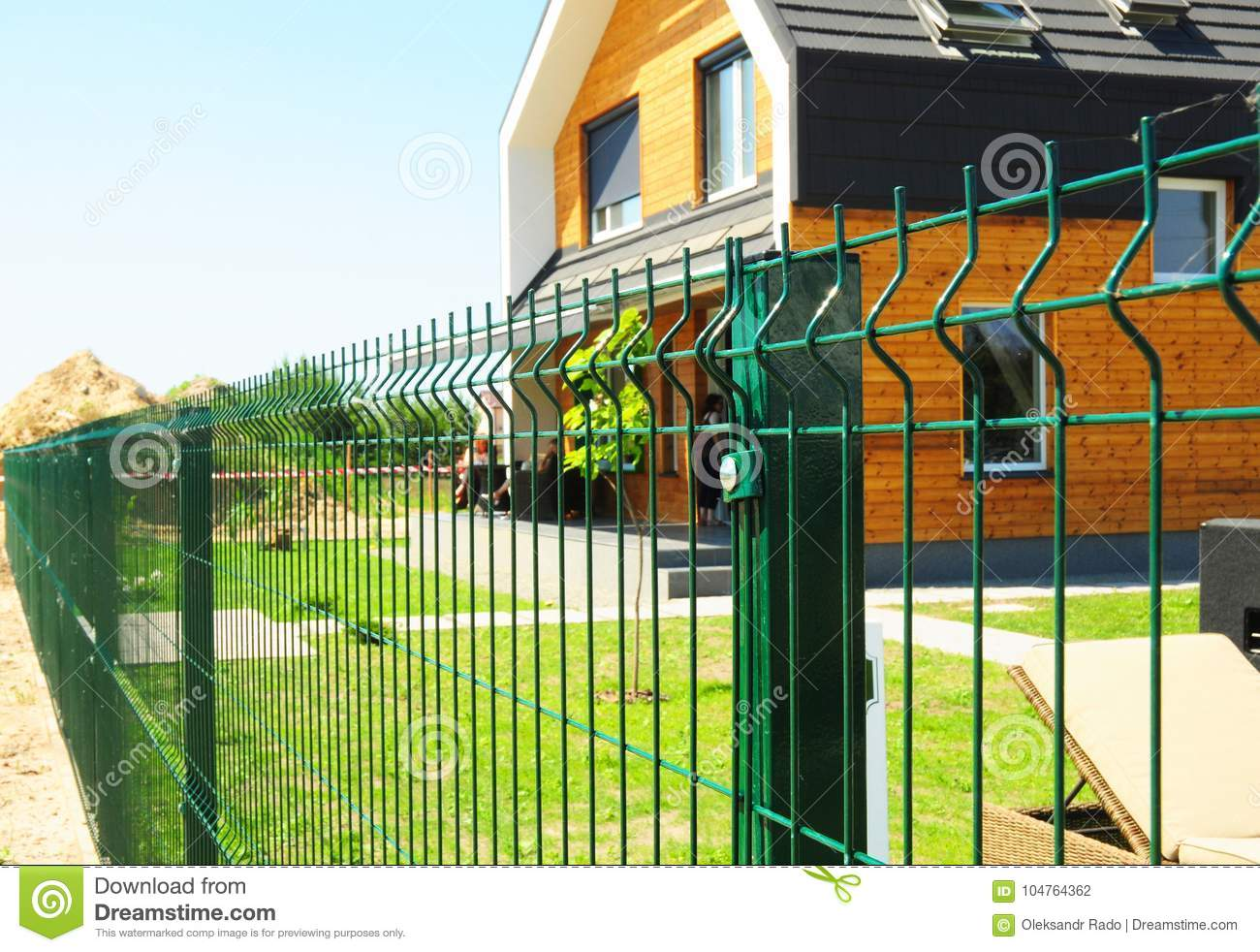 Metal fencing with modern house outdoor metal fence design