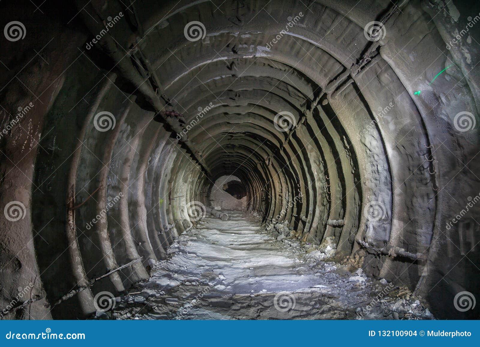 Metal tubbing подкладка в покинутой меловой шахте в Белгороде