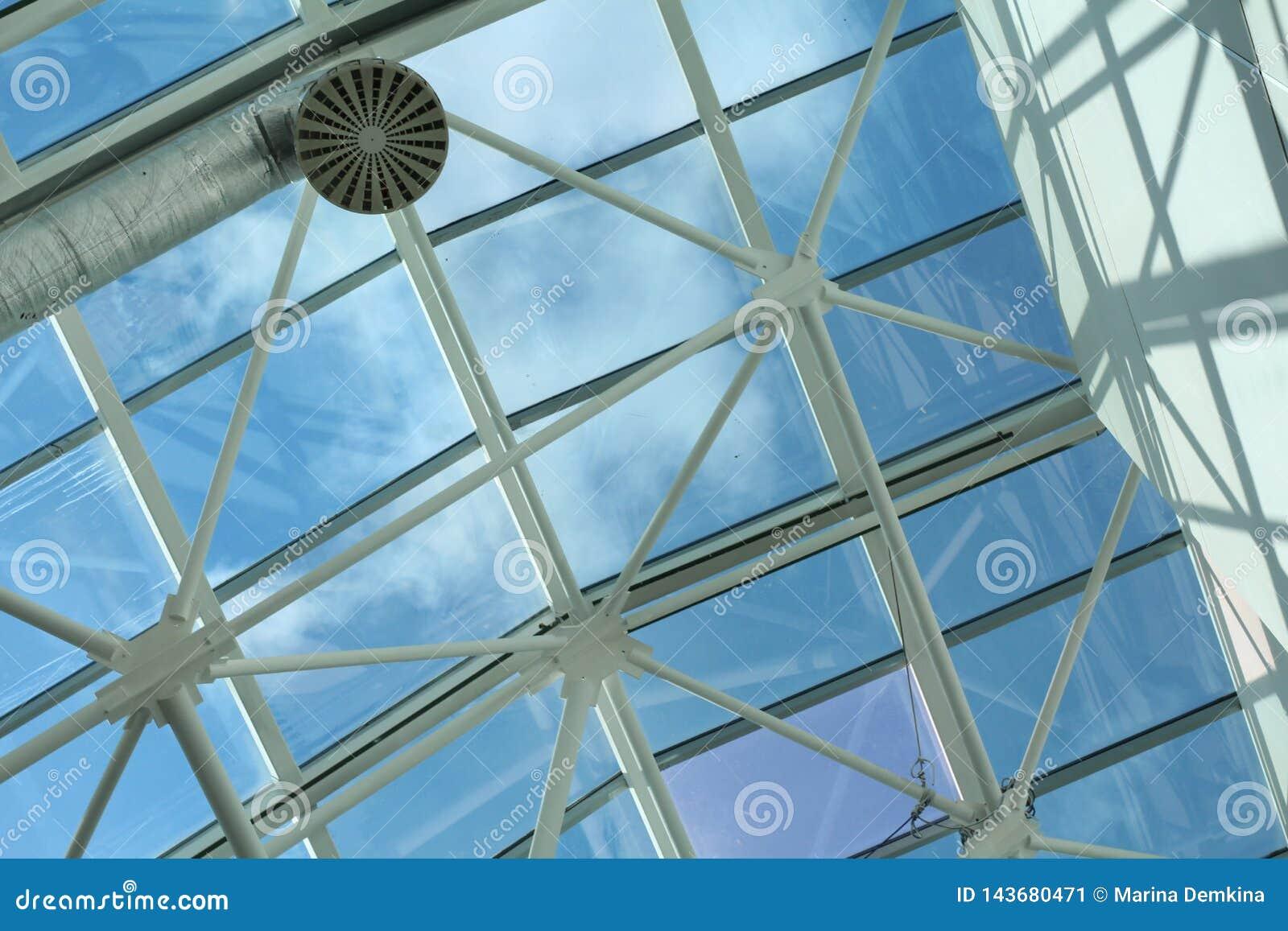 Metall- und Glasbau - Architektur und Entwurf in einem Einkaufszentrum