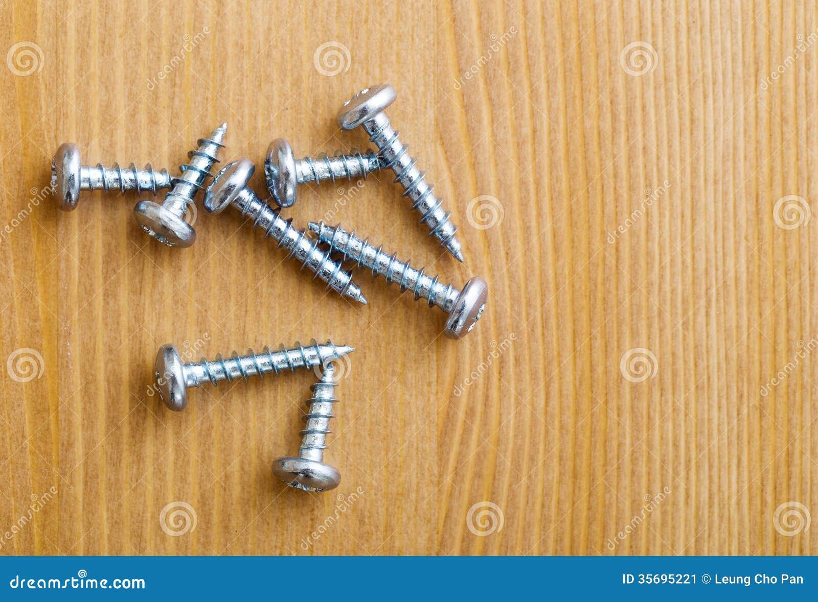 Metallische Schrauben